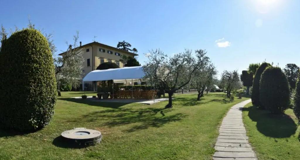 HOTEL VILLA CAPPUGI - PISTOIA
