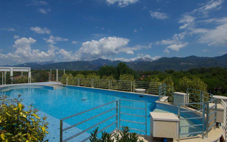 zen_marina-di-pietrasanta-piscina